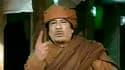 Dans un discours télévisé sur fond de soulèvement, Mouammar Kadhafi a juré mardi de rester en Libye et d'y mourir au besoin en martyr, tandis que des soldats ralliés aux insurgés annonçaient que l'Est s'était affranchi de son contrôle. /Image diffusée le