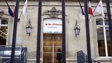 L'UMP espère prendre la région Ile-de-France au PS en décembre