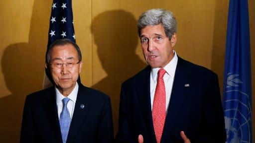Le Secrétaire d'Etat américain (à droite) et le Secrétaire général de l'ONU se sont retrouvés au Caire, en Egypte, dès lundi pour trouver une solution au conflit qui ravage le Moyen-Orient.