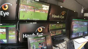 Pour la première fois dans une compétition majeure de rugby, la technologie vidéo Hawk-Eye, est mise au service des arbitres et des équipes médicales.