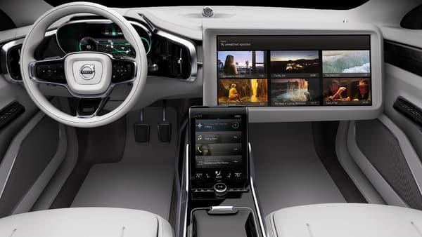 Prototype de voiture autonome dévoilé par Volvo fin 2015.