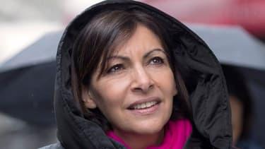 """Anne Hidalgo a reconnu une """"claque"""" reçue par la gauche à l'échelle nationale."""