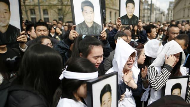 assemblement organisé le 2 avril 2017 en hommage à Shaoyo Liu, ressortissant chinois tué à Paris.