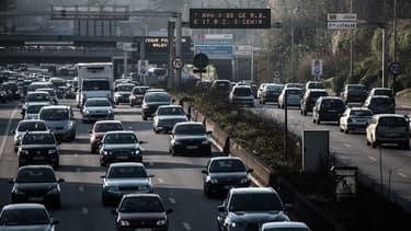 Paris cherche à interdire les véhicules les plus polluants.