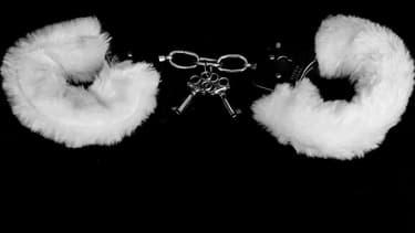 Des menottes (PHOTO D'ILLUSTRATION)