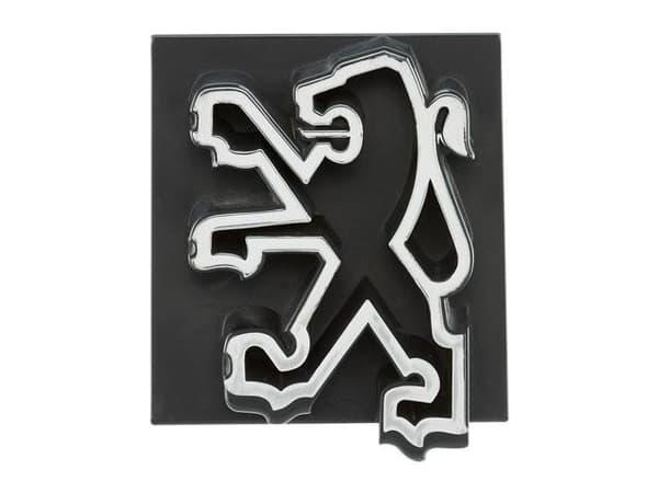 Ce logo date de 1976, alors que Peugeot vient d'absorber Citroën et s'apprête à racheter Chrysler.
