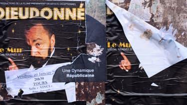 """Affiches du spectacle """"Le Mur"""" de Dieudonné"""