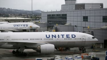 """United Airlines considère comme un """"tournant"""" l'incident de surbooking avec le Dr Dao."""