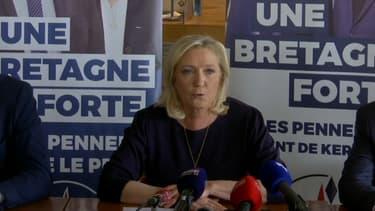 Marine Le Pen à la Trinité-sur-Mer ce jeudi.