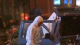 La police de New York, alertée par un vendeur, a découvert une voiture piégée samedi soir à Times Square, en plein Manhattan, et réussi à neutraliser la bombe qui, si elle avait fonctionné, aurait sans doute fait un grand nombre de morts, selon les autori