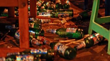 Venu d'Australie, le Neknomination est une variante du binge drinking