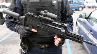 Samedi 1er décembre, un fusil d'assaut a été dérobé à la police à Paris (PHOTO D'ILLUSTRATION).