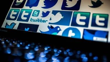 Pendant le confinement, Twitter dit avoir supprimé des comptes appelant à l'enfreindre ou au non-respect des gestes barrière. Ses systèmes automatisés en ont détecté plus de 4,3millions.
