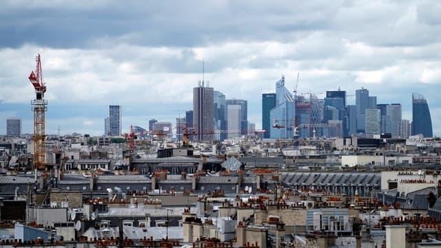 Le quartier d'affaires de La Défense près de Paris attire de nombreux investisseurs étrangers
