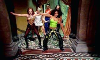 Les Spice Girls dans leur clip Wannabe