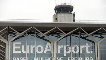 L'aéroport de Bâle-Mulhouse-Fribourg est situé intégralement sur le territoire français, mais il est soumis à un régime juridique binational.