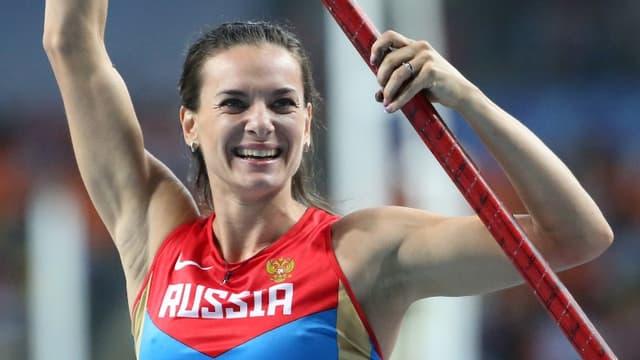 Yelena Isinbayeva est championne du monde du saut à la perche