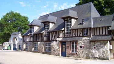 Le prieuré de saint-Philbert-sur-Risle, dans l'Eure.
