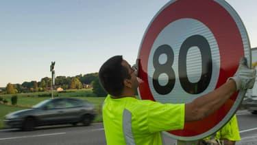 Si elle ne fonctionne pas d'ici 2 ans, la baisse de la vitesse à 80km/h pourra être abandonnée, a expliqué ce jeudi Emmanuel Macron.