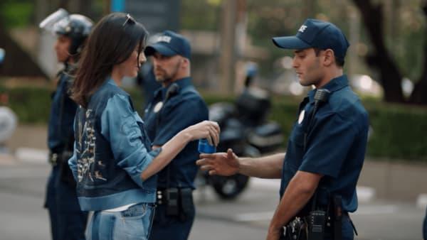 Kendall Jenner dans la pub Pepsi polémique.
