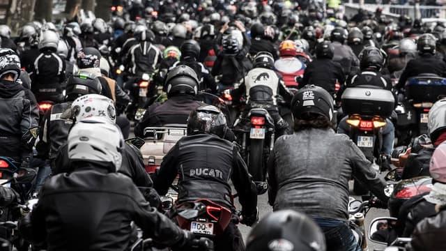 Si cotre motos ou votre scooters date d'avant juillet 2004, il ne pourra plus circuler dans Paris entre 8 heures et 20 heures
