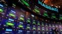 Tableau de cotation de l'action Facebook. Le titre Facebook a effacé vendredi l'intégralité des gains enregistrés dans les premiers échanges, revenant au cours de son introduction en Bourse, 38 dollars, avant de repartir en hausse. /Photo prise le 18 mai