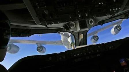 Selon une source proche du dossier interrogée par Reuters, EADS a informé le Pentagone mardi qu'il participerait à l'appel d'offres des avions ravitailleurs de l'armée de l'air américaine face à Boeing. /Photo d'archives/REUTERS