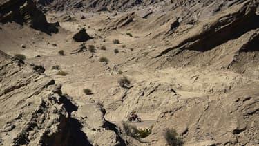 L'enfant a été retrouvé sain et sauf par un ancien motard du rallye Dakar (photo d'illustration).