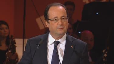 François Hollande a prononcé un discours à Liepzig dans lequel il a rendu hommage à Gerhard Schröder.