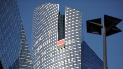 Les deux milliards d'euros de crédit d'impôt accordés à la Société Générale après l'affaire Kerviel interpelle l'écologiste Julien Bayou.