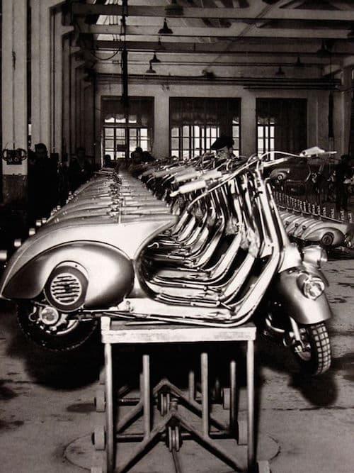 Les premières Vespa sont sorties des usines de Piaggio en 1946.
