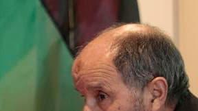 Moustafa Abdeldjeïl, le chef du Conseil national libyen formé par les insurgés, a réclamé samedi une intervention rapide de la communauté internationale contre les forces de Mouammar Kadhafi qui bombardent Benghazi. /Photo prise le 12 mars 2011/REUTERS/Su
