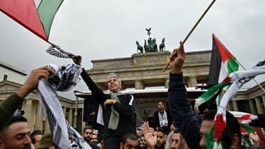 Rassemblement pour la Palestine à Berlin. Les deux rappeurs devaient participer à un concert organisé en marge.