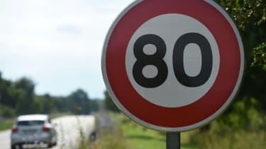 Un panneau de limitation de vitesse à 80 km/h le 29 juin 2018 à Wittenheim (France)