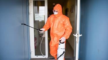 De nouveaux modes de désinfection expérimentés en Auvergne-Rhône-Alpes.