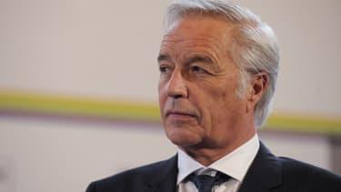 François Rebsamen, le ministre du Travail, estime qu'une croissance faible n'est pas compatible avec un coup de pouce au Smic.