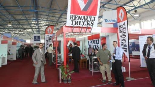 Le stand Renault Trucks lors d'une exposition en Iraq, en 2010.