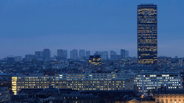 La Tour Montparnasse à Paris.
