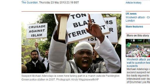 Cette photo publiée par le journal britannique The Guardian, montre Michael Adebolajo, lors d'une manifestation en 2007.