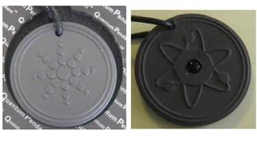 Deux pendentifs contôlés par le laboratoire de la Criirad.