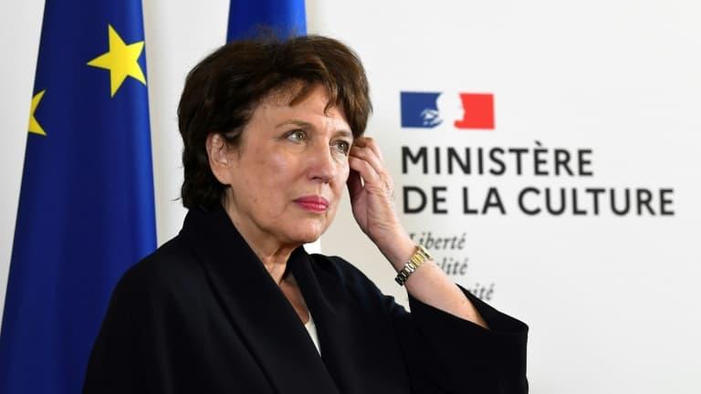 Bachelot annonce que les concerts expérimentaux prévus à Marseille et Paris auront lieu en mars et avril - BFMTV