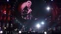Johnny Hallyday en concert à Saint-Denis en 1998.