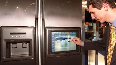 Dès 2000, Samsung présentait des réfrigérateurs intelligents au salon Confortech.