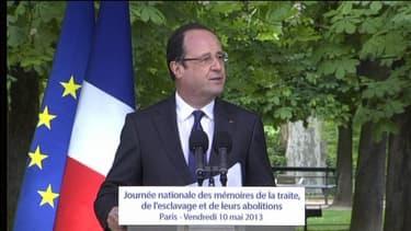 François Hollande donne un discours à l'occasion de la journée de l'abolition de l'esclavage au Jardin du Luxembourg à Paris le 10 mai 2013.