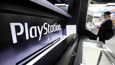 Victime d'une attaque, peut-être le plus important vol de données jamais organisé sur internet, il y a plus d'une semaine, le PlayStation Network (PSN) de Sony reste inaccessible. Le manque de transparence du groupe suscite colère et interrogation. /Photo