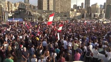 Beyrouth marque la minute de l'explosion, une semaine après