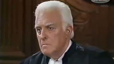 Yves Vincent était le célèbre juge Garonne dans la série Tribunal.