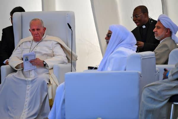 Le pape François lors d'une prière œcuménique dans l'ancienne ville de Ur en Irak, le 6 mars 2021