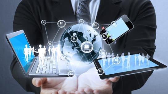 Seules les sociétés des Télécommunications, des Médias, des Services Professionnels et de la Santé voient majoritairement le numérique comme un levier pour leur stratégie