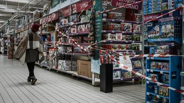Allées fermées dans un supermarché de Bordeaux, le 4 novembre 2020